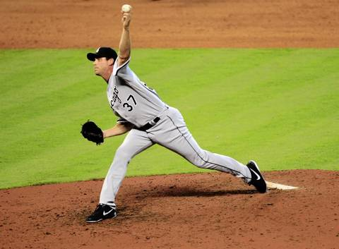 Sox relief pitcher Matt Thornton pitches against the Astros during the seventh inning.