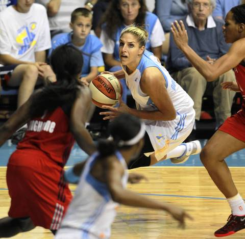 Elena Delle Donne drives towards the basket looking for an opening.
