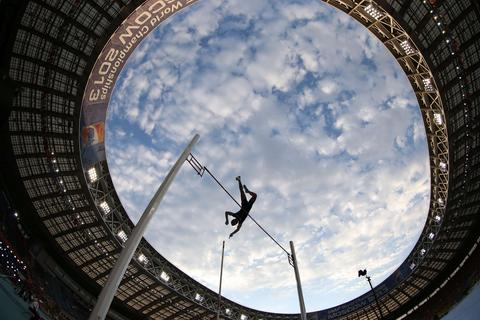 France's Renaud Lavillenie competes in the men's pole vault final at the 2013 IAAF World Championships at the Luzhniki stadium in Moscow on August 12, 2013.
