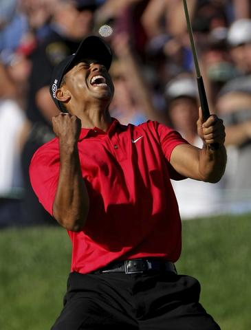 SAN DIEGO - JUNE 15:  Tiger Woods reacts to his birdie putt on the 18th green to force a playoff with Rocco Mediate during the final round of the 108th U.S. Open at the Torrey Pines Golf Course (South Course) on June 15, 2008 in San Diego, California.