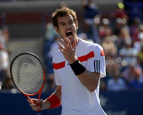 Andy Murray of Great Britian plays against Stanislas Wawrinka of Switzerland during their 2013 US Open men's singles quarterfinal match at the USTA Billie Jean King National Tennis Center in New York on September 5, 2013.
