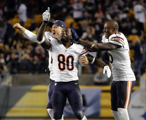 Chicago Bears wide receiver Earl Bennett (80) celebrates his touchdown in the fourth quarter.