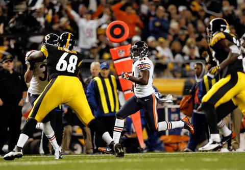 Chicago Bears' Major Wright returns an interception for a touchdown in the second quarter against Pittsburgh Steelers at Heinz Field.