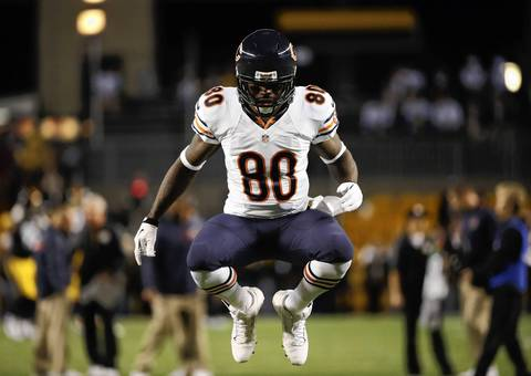 Chicago Bears wide receiver Earl Bennett (80) warms up before the Bears take on the Pittsburgh Steelers at Heinz Field.