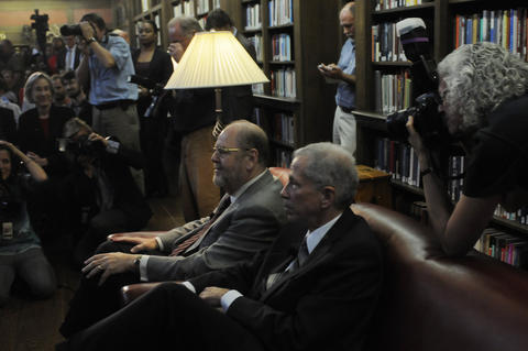 Rothman sits with dean of the medical school Robert Alpern before being introduced.