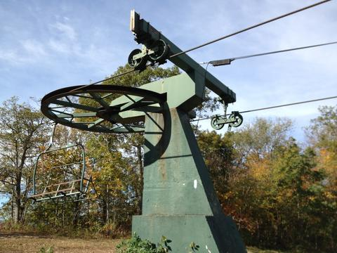 The New England Scenic Trail aka Mattabesett Trail passes along the top of Powder Ridge past old chair lifts.