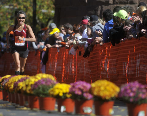 Hartford - 10/12/13 - The 20th running of the Hartford Marathon. Photo by BRAD HORRIGAN | bhorrigan@courant.com