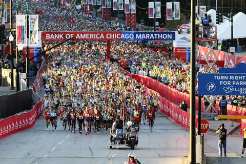 Runners begin the Bank of America Chicago Marathon.