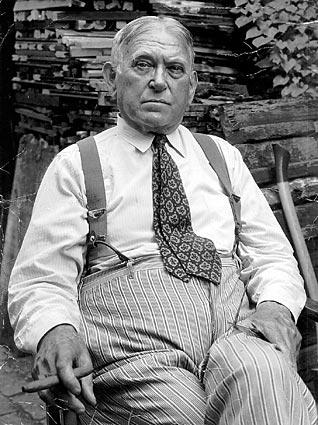 Hit up the town as F. Scott Fitzgerald or H. L. Mencken. Prepare for center-parted hair and a 1920s-style suit for both costumes. Pair it with overalls and a scornful brow for Mencken or a bottle of vodka for Fitzgerald.