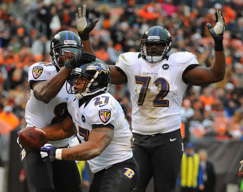The Ravens didn't net a single yard in the third quarter, but Joe Flacco hit Torrey Smith for a go-ahead 19-yard touchdown with 4:26 to play and the defense did the rest.