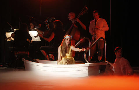 """Valerie Vinzant performs during a dress rehearsal of Chicago Opera Theater's """"Orpheus and Euridice."""""""