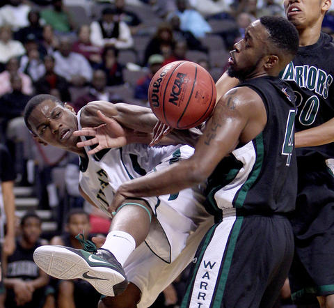 Kenneth Davis of Great Bridge battles for a rebound with Tajh Scott of Kecoughtan during the second half Wednesday in Norfolk.