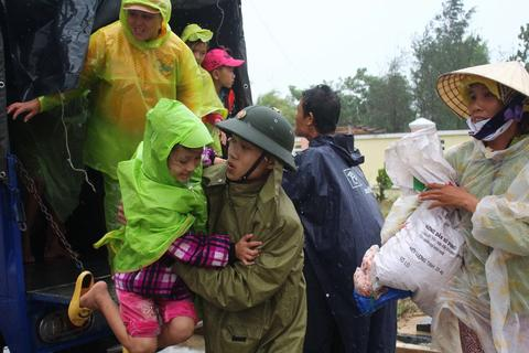 Vietnam has started evacuating over 100,000 people from the path of Super Typhoon Haiyan on Nov. 9.