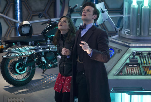 Clara (Jenna Coleman) and the 11th Doctor (Matt Smith)