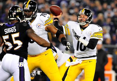 Steelers quarterback Charlie Batch went 25 of 36 for 276 yards, one touchdown and one interception in leading Pittsburgh past the Ravens at M&T Bank Stadium . Batch started in place of injured starter Ben Roethlisberger and injured backup Byron Leftwich .