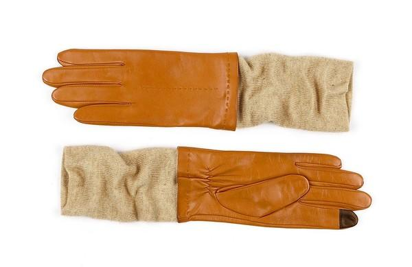 Stay warm and informed while waiting for the CTA with these touch-sensitive gloves. ($115, bit.ly/1dpCq5g)
