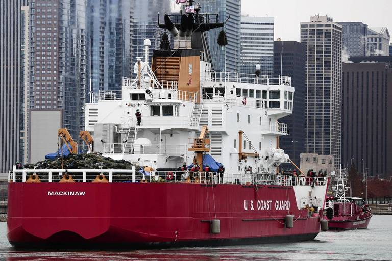 Christmas Tree Ship Carries On Tradition Chicago Tribune