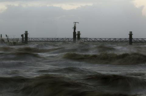 The North Sea shore is pictured near the town of Emden, December 6, 2013. Hurricane-force Storm Xaver blasted towards mainland Europe on Thursday after cutting transport and power in northern Britain and killing three people in what meteorologists warned could be the worst storm to hit the continent in years.