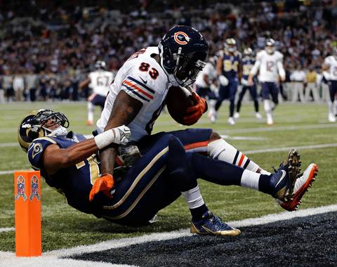 Bears tight end Martellus Bennett scored in the first quarter on a seven-yard pass from Josh McCown vs. the Rams.