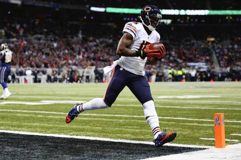 Brandon Marshall hauled in a three-yard pass in the second quarter for the Bears' second touchdown of the game vs. the Rams.