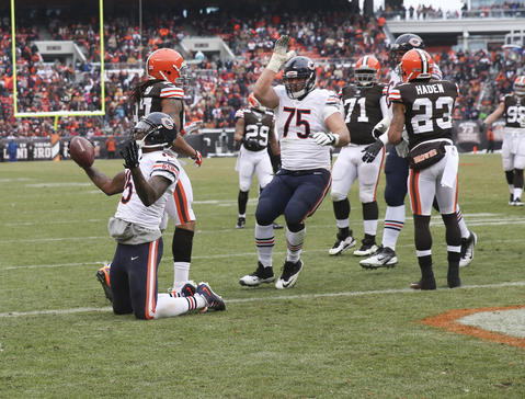 Brandon Marshall scored the Bears' first touchdown of the day against the Browns, a five-yard pass from Jay Cutler in the second quarter.