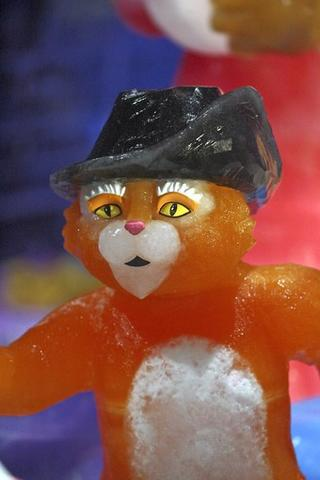 Puss in Boots is carved in ice for the Gaylord Palms attraction.