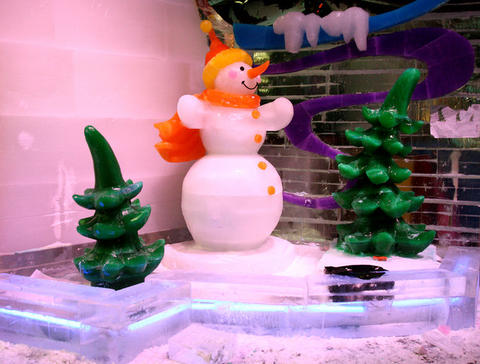 """The 2010 version of ICE! at Gaylord Palms in Kissimmee depicts the """"Twas the Night Before Christmas"""" poem in 8 wintery scenes made almost entirely of ice. It runs from Nov. 20 - Jan 2."""