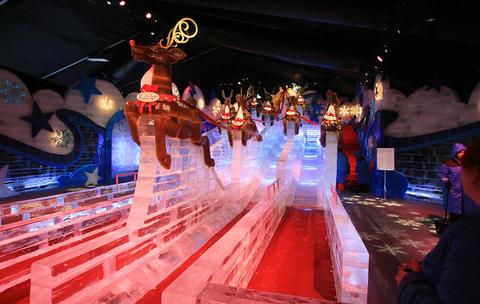 """Santa's Magical Flight"" slide at Gaylord Palms' ICE attraction."