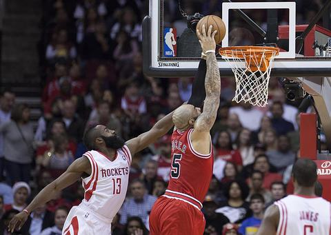 Photos: Rockets 109, Bulls 94 -- Chicago Tribune
