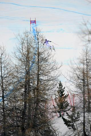 Lindsey Vonn of the USA competes during the Audi FIS Alpine Ski World Cup Women's Downhill Training on December 19, 2013 in Val d'Isere, France.