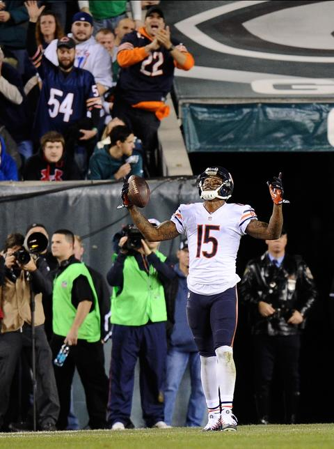 Jay Cutler threw a six-yard pass to Brandon Marshall in the 3rd quarter against the Eagles, the Bears' only TD in a 54-11 loss.