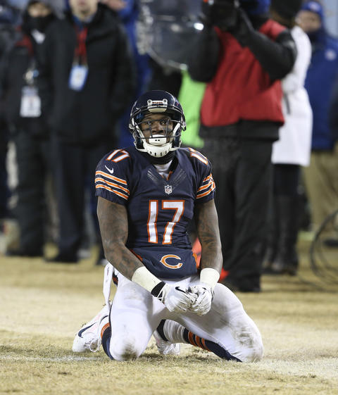 Alshon Jeffery reacts after missing a pass from quarterback Jay Cutler late in second half.