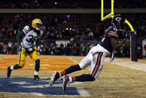 Brandon Marshall catches touchdown pass against the Packers' Tramon Williams in the 4th quarter.
