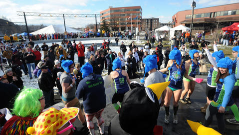 Over 600 Participants took part in the 2nd Annual Lehigh Valley Polar Bear Plunge to benefit Special Olympics Pennsylvania Saturday afternoon in Easton.  /////ED NOTE\\\\\\ Kevin Mingora / The Morning Call More than 600 people will jump into the Delaware River for the 2nd annual Lehigh Valley Polar Bear Plunge to benefit Special Olympics Pennsylvania Saturday afternoon January 18, 2014.