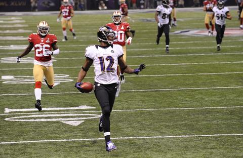 Jacoby Jones strolls into the end zone on a record tying 108-yd kickoff return to open the second half.
