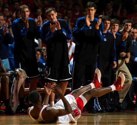D.J. Strawberry looks up as Duke's bench applauds a turnover.