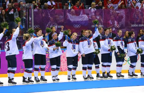WOMEN'S HOCKEY TEAM: Silver medal.