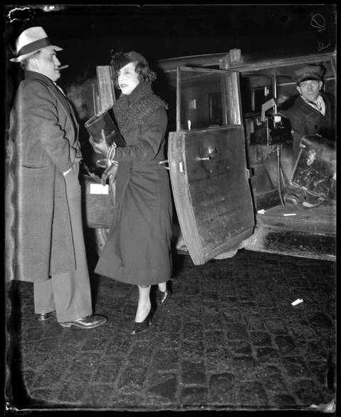 "Eveyln ""Billie"" Frechette was released from prison on Jan. 30, 1936. Frechette was arrested in Chicago while her boyfriend and fugitive, John Dillinger, watched helplessly nearby on April 9, 1934. Frechette, who had met Dillinger in 1933, was charged with harboring a fugitive in her St. Paul, Minnesota apartment. She spent two years in jail, getting out in 1936. Upon her release, Frechette toured in a theatrical production called ""Crime Doesn't Pay"" with members of Dillinger's family."