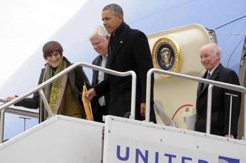 President Barack Obama, departs Air Force One with Rep. Rosa DaLauro, Rep. John Larson, and Rep. Joe Courtney.