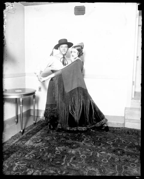 Rudolph Valentino and his wife, actress Natasha Rambova, dance in Chicago.