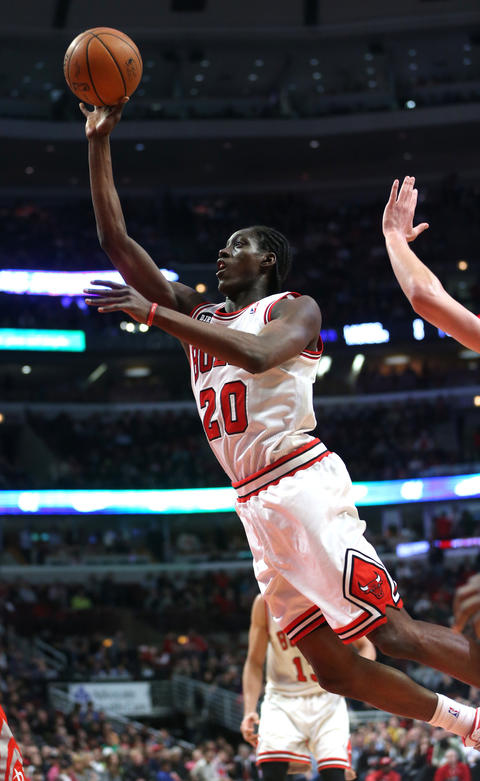 Tony Snell scores in the second quarter.