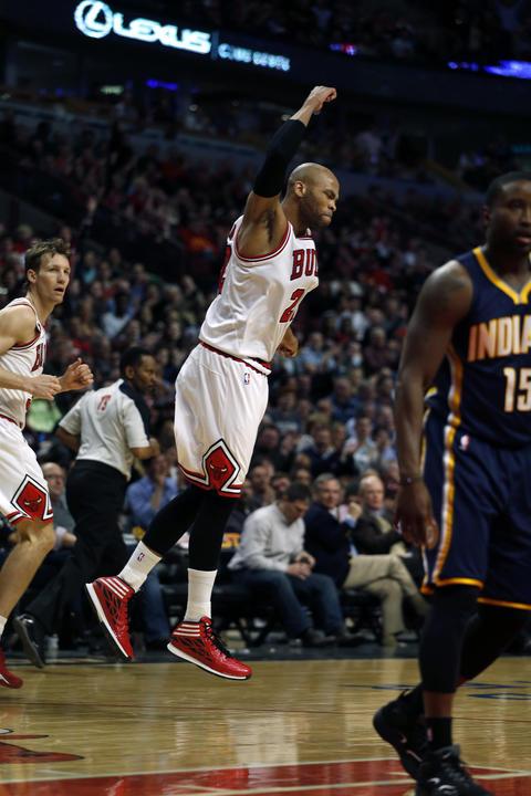 Taj Gibson reacts in 4th quarter of the 89-77 win over the Pacers.