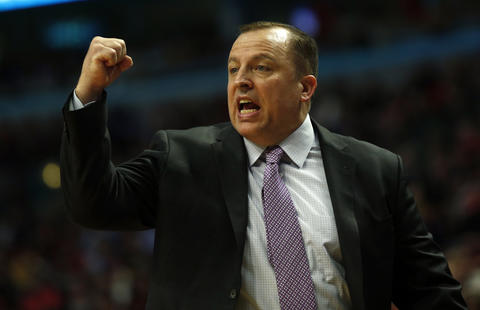 Tom Thibodeau calls a play in 4th quarter against the Magic.