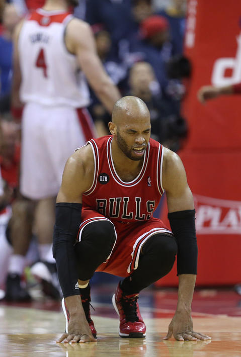 Taj Gibson grimaces in the fourth quarter.