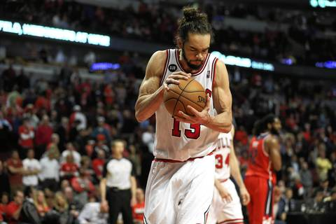Joakim Noah reacts late in the 4th quarter.