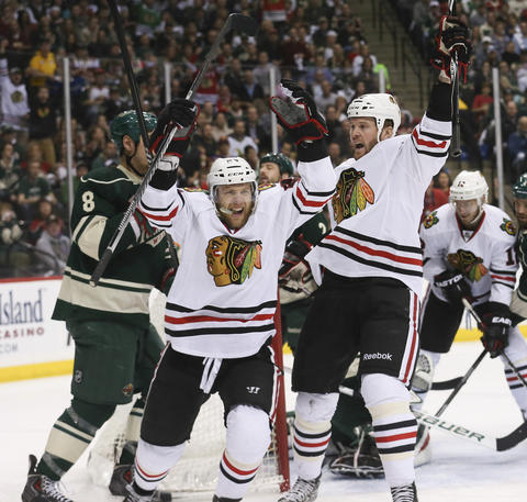 Kris Versteeg celebrates his goal against the Wild during the first period.
