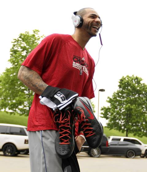 Carlos Boozer arrives at Wells Fargo Center for shootaround before playing Game 3 vs. the 76ers.