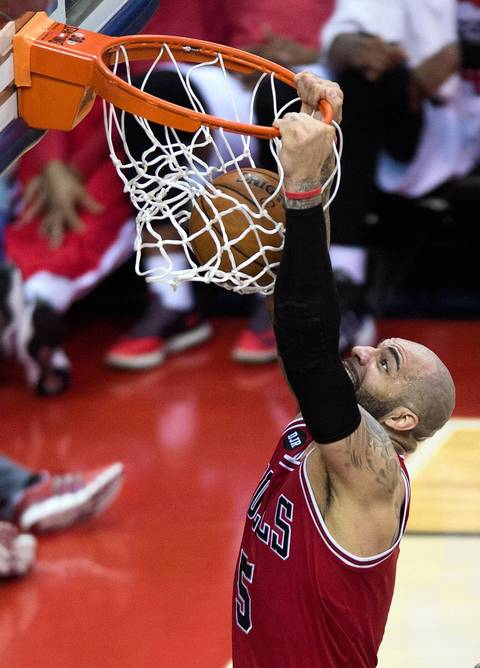 Photos: Carlos Boozer in action -- Chicago Tribune