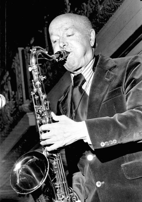 Tenor saxophonist Bud Freeman was a member of the Austin High Gang in the 1920s.