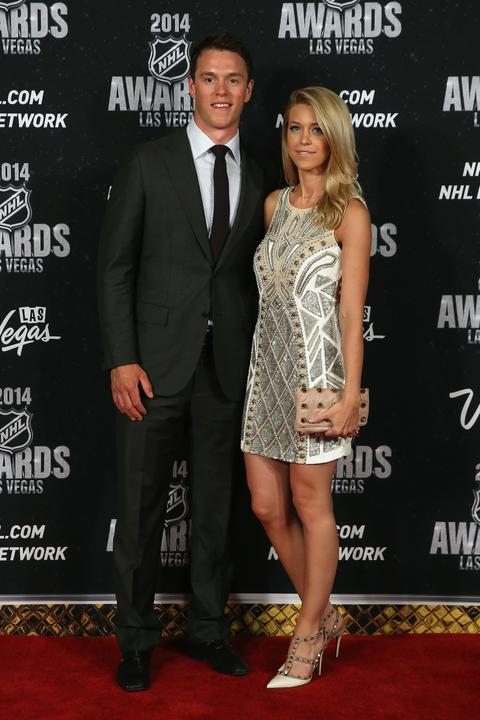 Photos: Hawks' Toews, Keith at NHL Awards -- Chicago Tribune